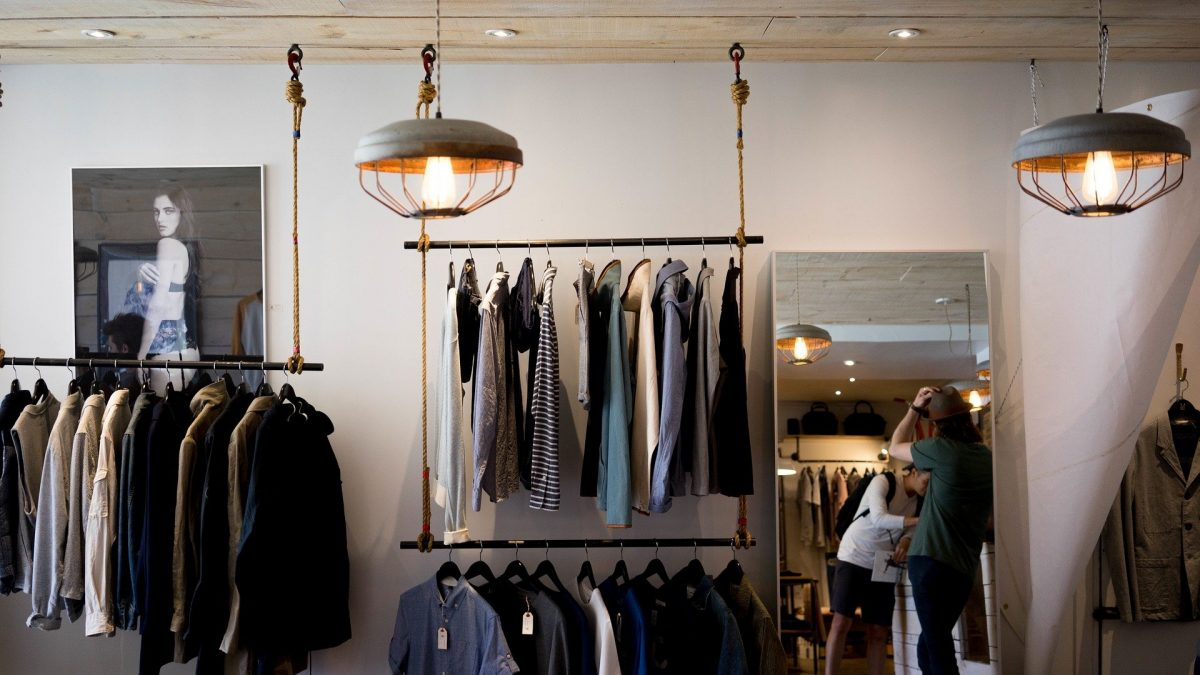 Capsule wardrobe – why should you give it a try?